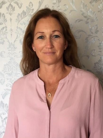 Pernilla Moëll – Friskvårdsmassör & YinYogainstruktör